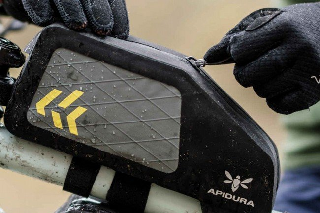 Apidura Backcountry Top Tube Pack 1L Rear